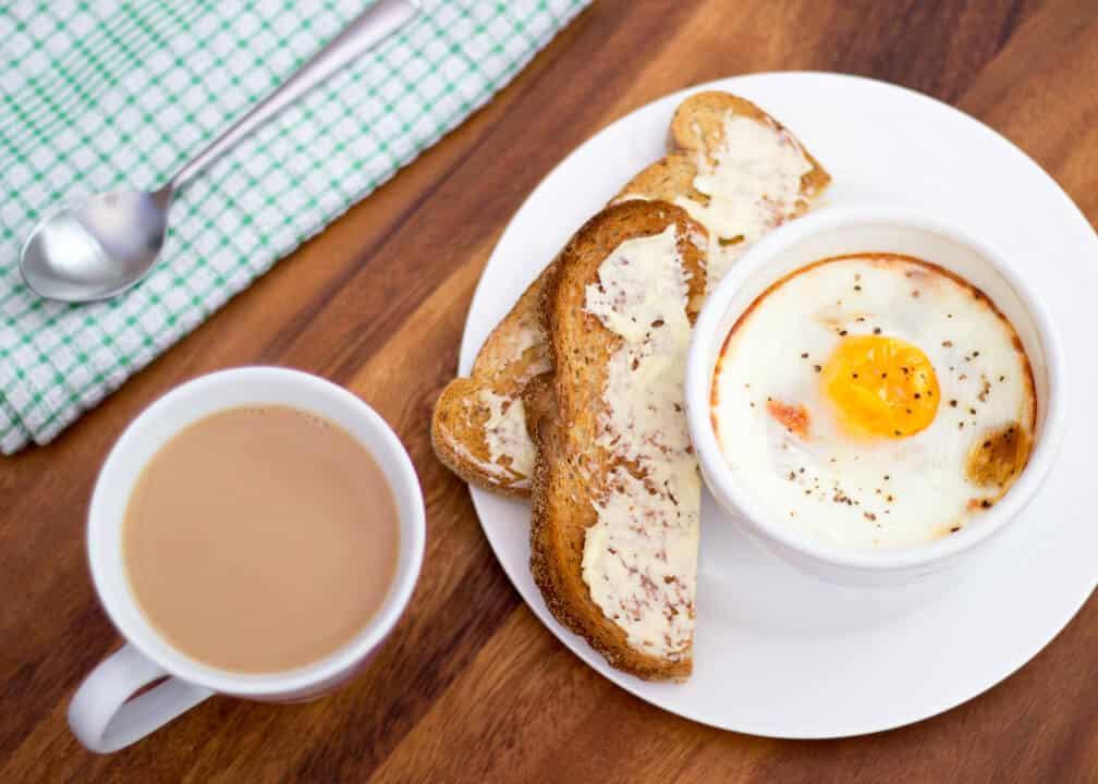 Easy Baked Eggs Ham & Tomato | Breakfast | Healthy | Brunch