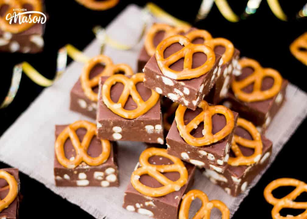 Nutella Pretzel Fudge | 4 Ingredient | No Bake | Homemade | Chocolate